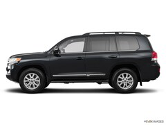 2019 Toyota Land Cruiser vs. 2019 Lincoln Navigator