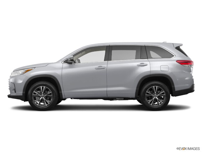 New 2019 Toyota Highlander LE Plus V6 SUV in Laredo, TX