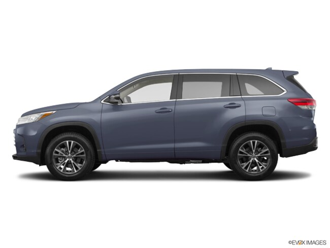 New 2019 Toyota Highlander LE Plus V6 SUV near Dallas, TX