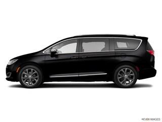 New 2020 Chrysler Pacifica Limited Minivan/Van For Sale Lowell, MI