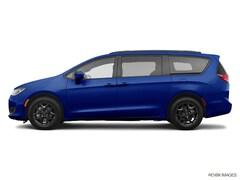 2020 Chrysler Pacifica Touring L Plus S Van
