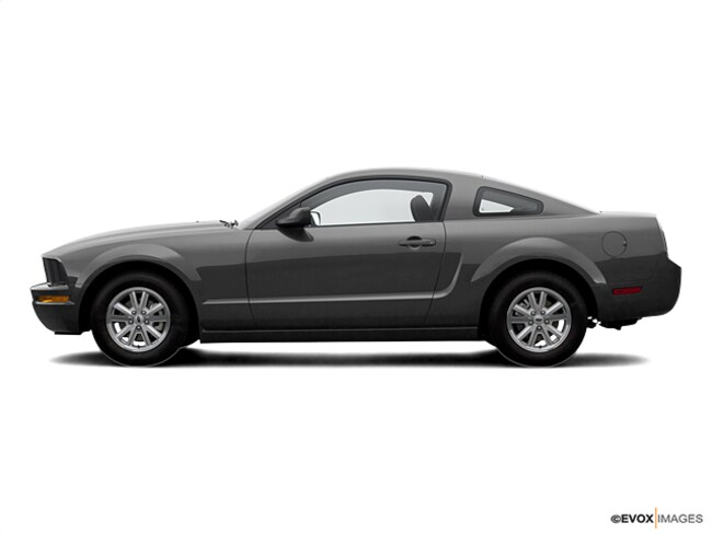 2007 Ford Mustang Deluxe Coupe