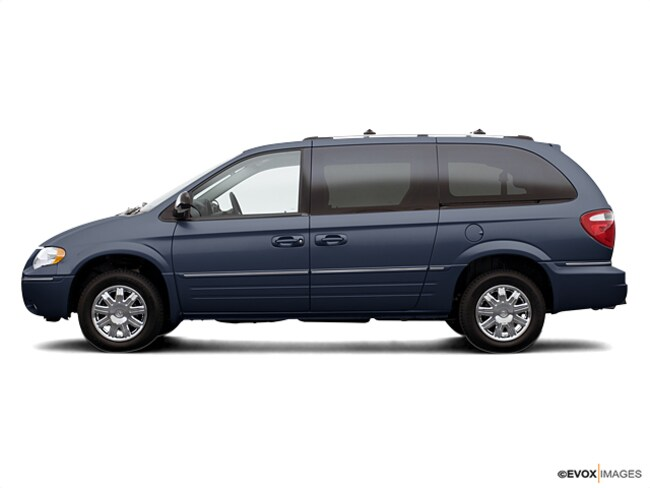 2007 Chrysler Town & Country Base Van