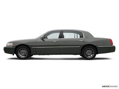 Used 2007 Lincoln Town Car Signature Limited Sedan