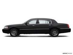 2007 Lincoln Town Car 4dr Sdn Signature Limited sedan