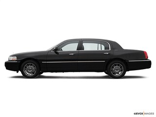 2007 Lincoln Town Car Signature Sedan For Sale in Enfield, CT
