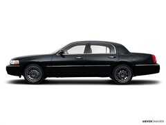 2008 Lincoln Town Car 4dr Sdn Signature Limited Car