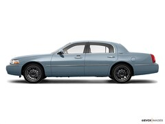2009 Lincoln Town Car 4dr Sdn Signature Limited Car
