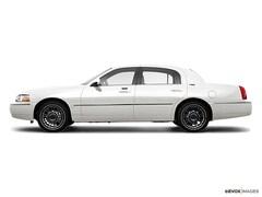 2009 Lincoln Town Car Signature Limited Sedan
