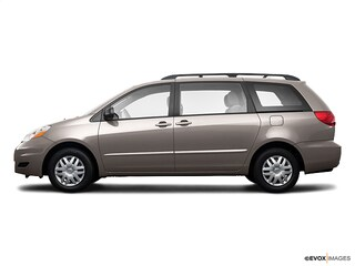 2009 Toyota Sienna LE w/8 Pass. Seating Van