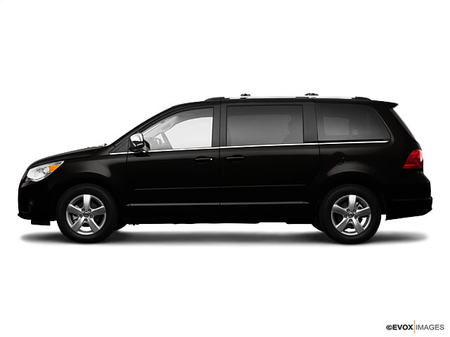 2009 Volkswagen Routan SEL Van