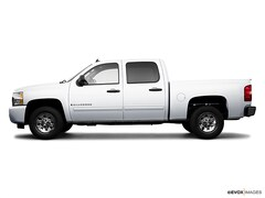 Used 2009 Chevrolet Silverado 1500 LT 4WD Crew Cab 143.5 LT for sale in Grand Rapids