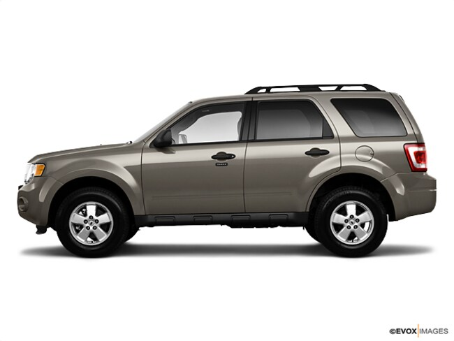 Used 2010 Ford Escape 4WD  XLT near Springfield
