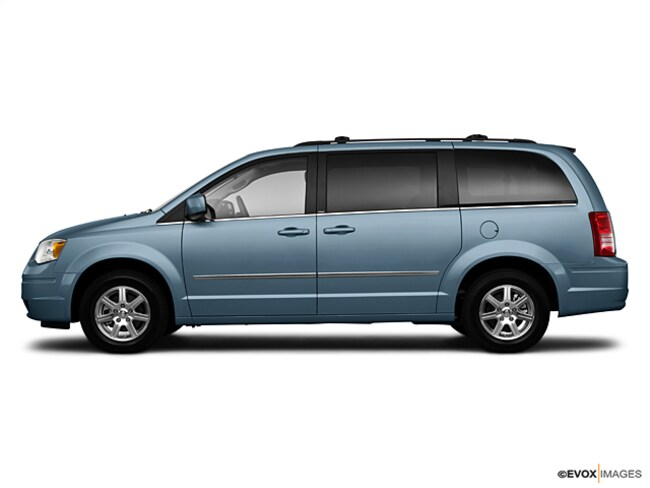 2010 Chrysler Town & Country Touring Van; Extended