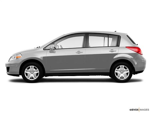 2010 Nissan Versa 1.8S Hatchback