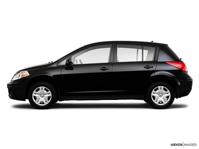 2010 Nissan Versa 1.8 S Hatchback