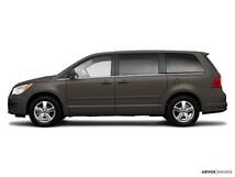 2010 Volkswagen Routan S Van