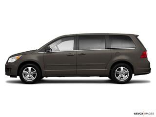 2010 Volkswagen Routan SEL Van