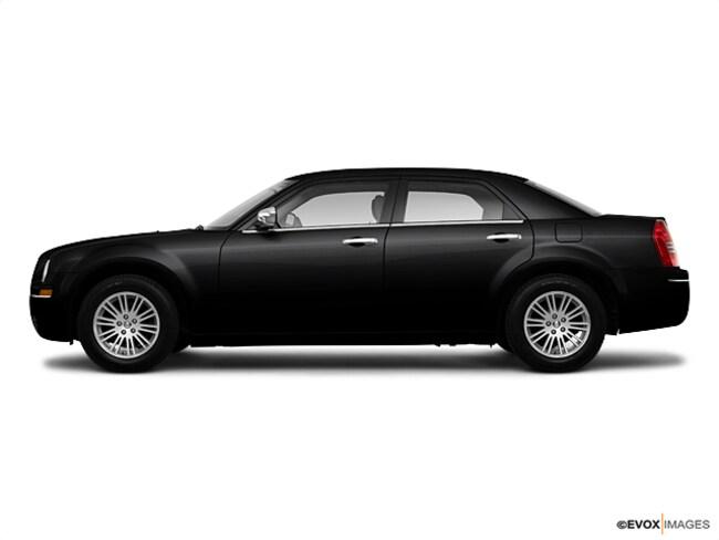 2010 Chrysler 300 BASE Car