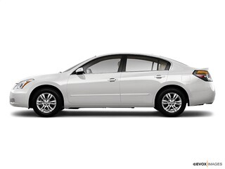 Bargain Used 2010 Nissan Altima 2.5 S Sedan near Providence