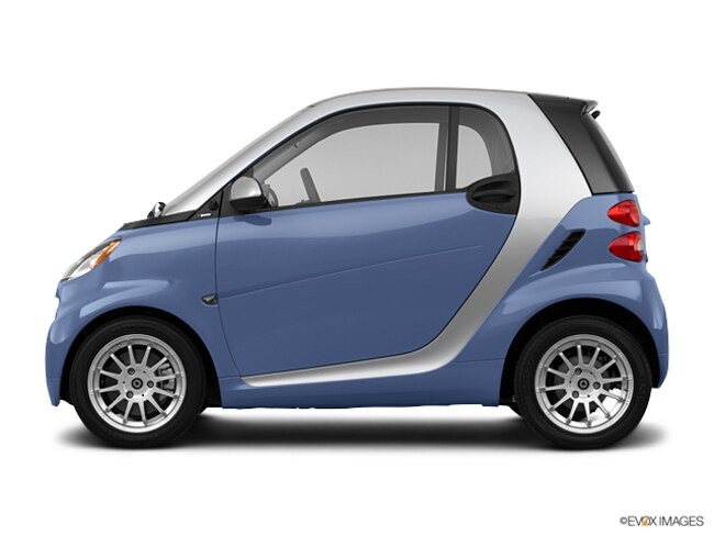 Used 2011 Smart Fortwo 2dr Cpe Passion Car WMEEJ3BA4BK440600 in Cathedral City