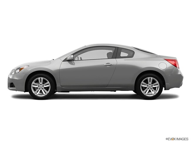 Used 2012 Nissan Altima Coupe For Sale In Ames Ia Stock Cc216079l