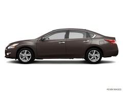 Used 2013 Nissan Altima 2.5 SV Sedan for sale in Mount Joy