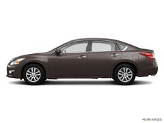 Used 2013 Nissan Altima 2.5 SL Sedan near Boston, MA