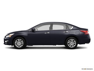 2013 Nissan Altima 2.5 S (Value Line) Sedan