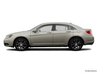 Pre-Owned 2013 Chrysler 200 Limited Sedan near Boston