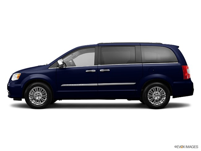 Used 2013 Chrysler Town & Country Touring-L Van Maite, Guam