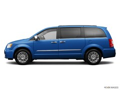 2013 Chrysler Town & Country Touring Van [ERB, WFW, RHR, DG2]