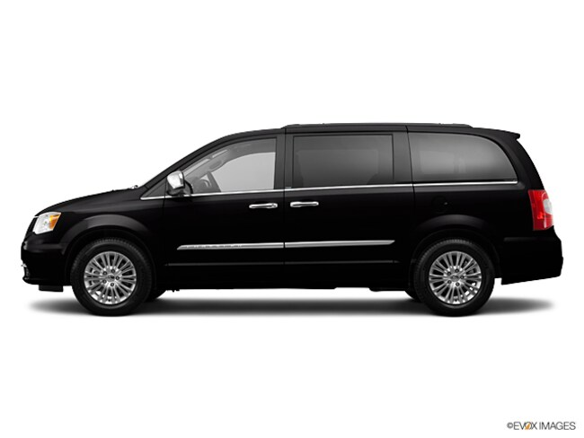 2013 Chrysler Town & Country Touring Passenger Van