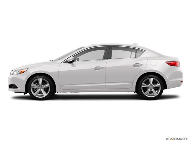 2013 Acura ILX 2.0L w/Premium Package Sedan