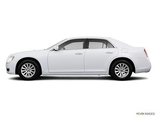 2013 Chrysler 300 Leather - Moon Roof - Navigation Sedan