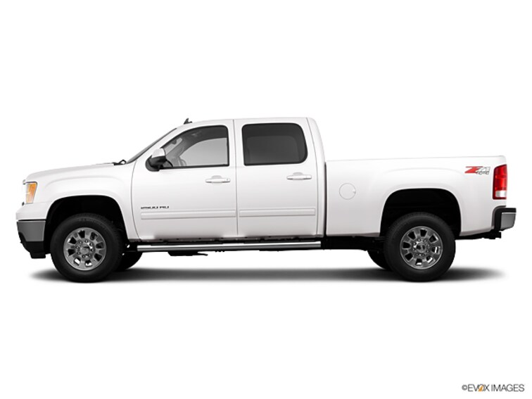 Used 2013 GMC Sierra 2500HD 4WD Crew Cab 153.7 SLT Truck Crew Cab for sale on Cape Cod MA