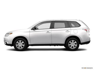 2014 Mitsubishi Outlander SE SUV for Sale in Downers Grove at Max Madsen Mitsubishi