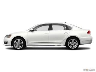2014 Volkswagen Passat 3.6L V6 SE w/Sunroof Sedan