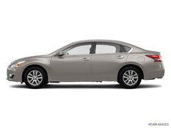 2014 Nissan Altima 4dr Sdn I4 2.5 S Sport Value Package Display Audio Package Car