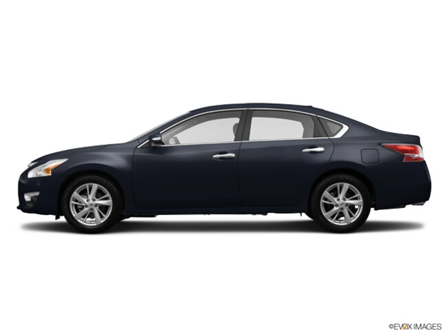 Used 2014 Nissan Altima 2.5 SV in Maplewood, MN