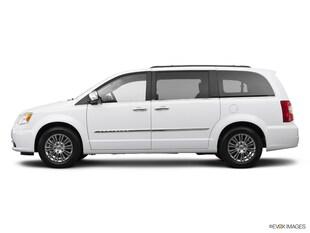 2014 Chrysler Town & Country Touring-L Van