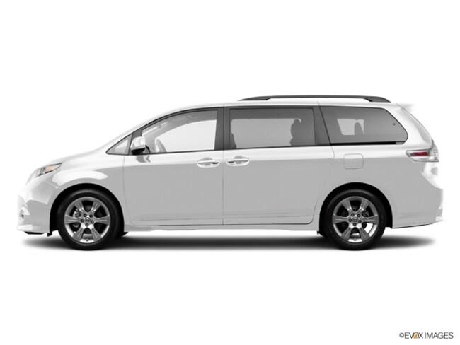 2014 Toyota Sienna LE Van