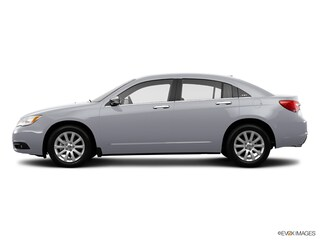 2014 Chrysler 200 Limited Car