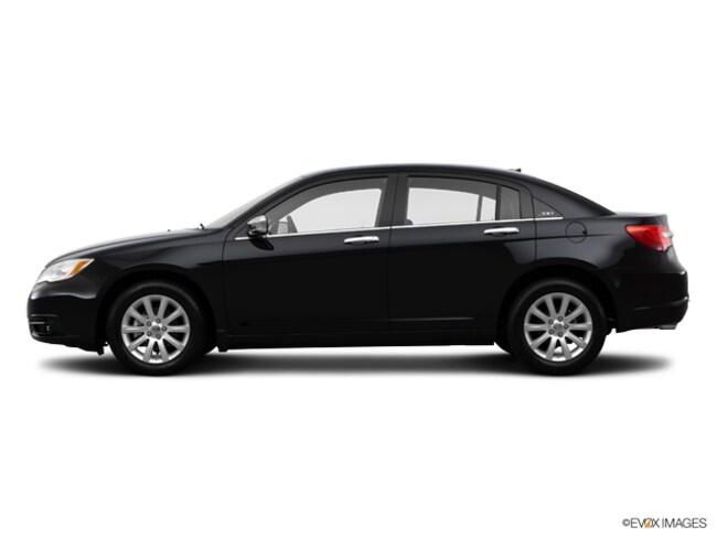 2014 Chrysler 200 4dr Sdn Limited Sedan