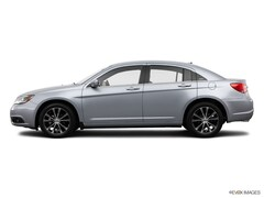 Used 2014 Chrysler 200 Touring Sedan for sale in Decatur, IL