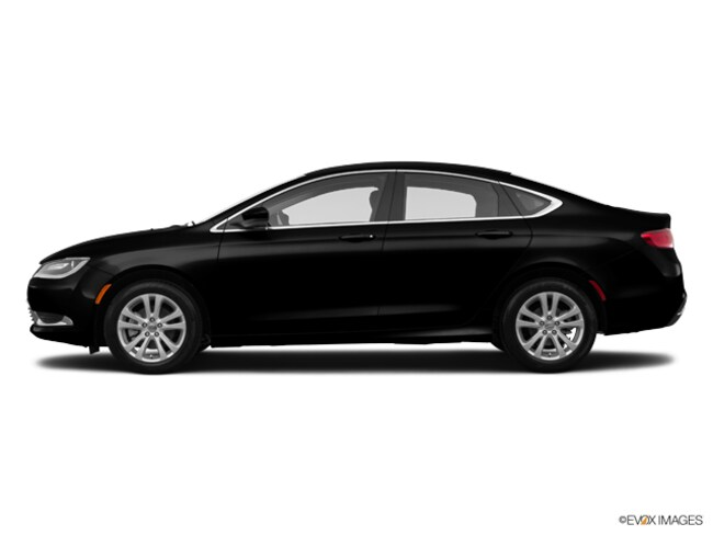 Used vehicle 2015 Chrysler 200 Limited Sedan for sale in Tucson, AZ