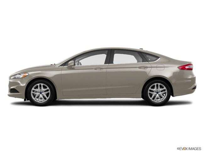 2015 Ford Fusion SE Car