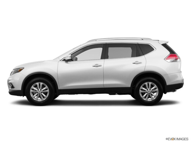 Used 2015 Nissan Rogue SV SUV in Maplewood, MN