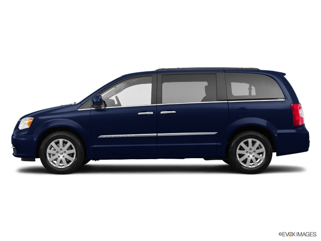 2015 Chrysler Town & Country Van