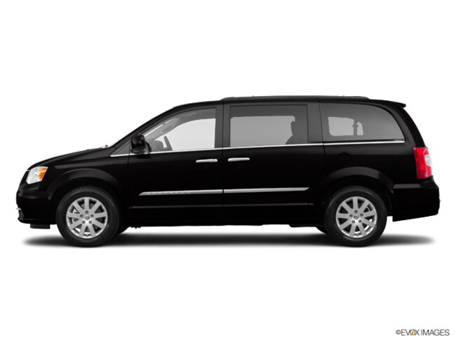 Used 2015 Chrysler Town & Country Touring Van for sale in Charlottesville